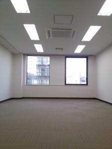 新中島ビル 賃室