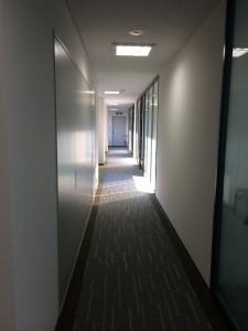 本町コラボビル 7F廊下