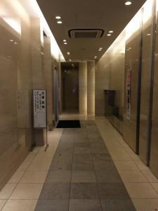 ハウザー堺筋本町駅前ビル エレベーター
