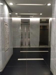 アークビルディング エレベーター